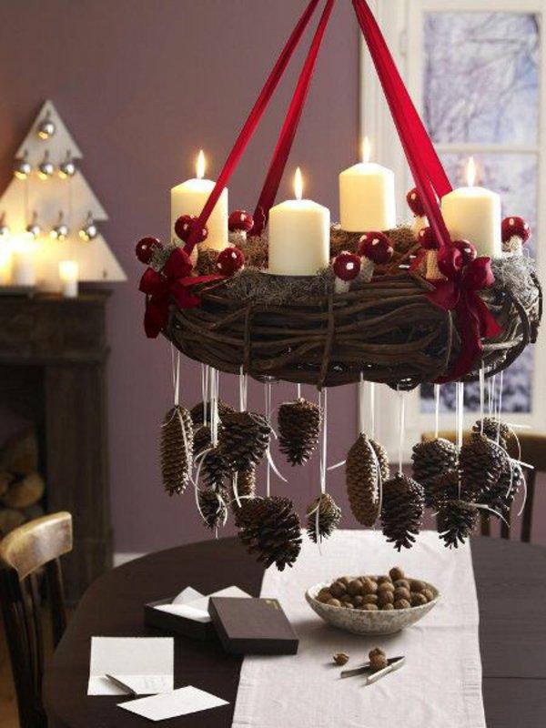 festliche-tischdeko-ideen-weihnachtsdeko-kranz-basteln
